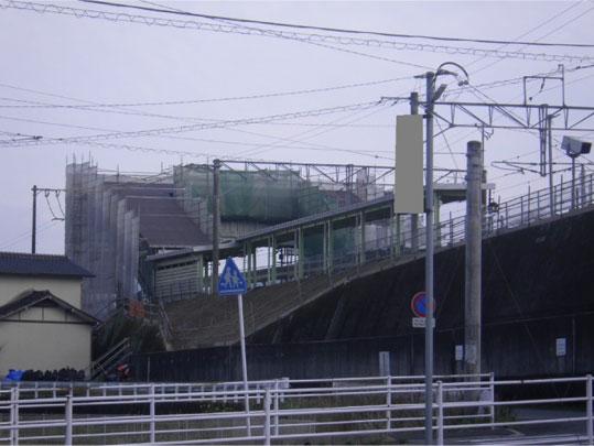 JR駅通路屋根 ビフォー